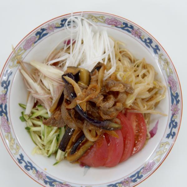 スタミナ満点 野菜たっぷりピリ辛カルビ冷麺