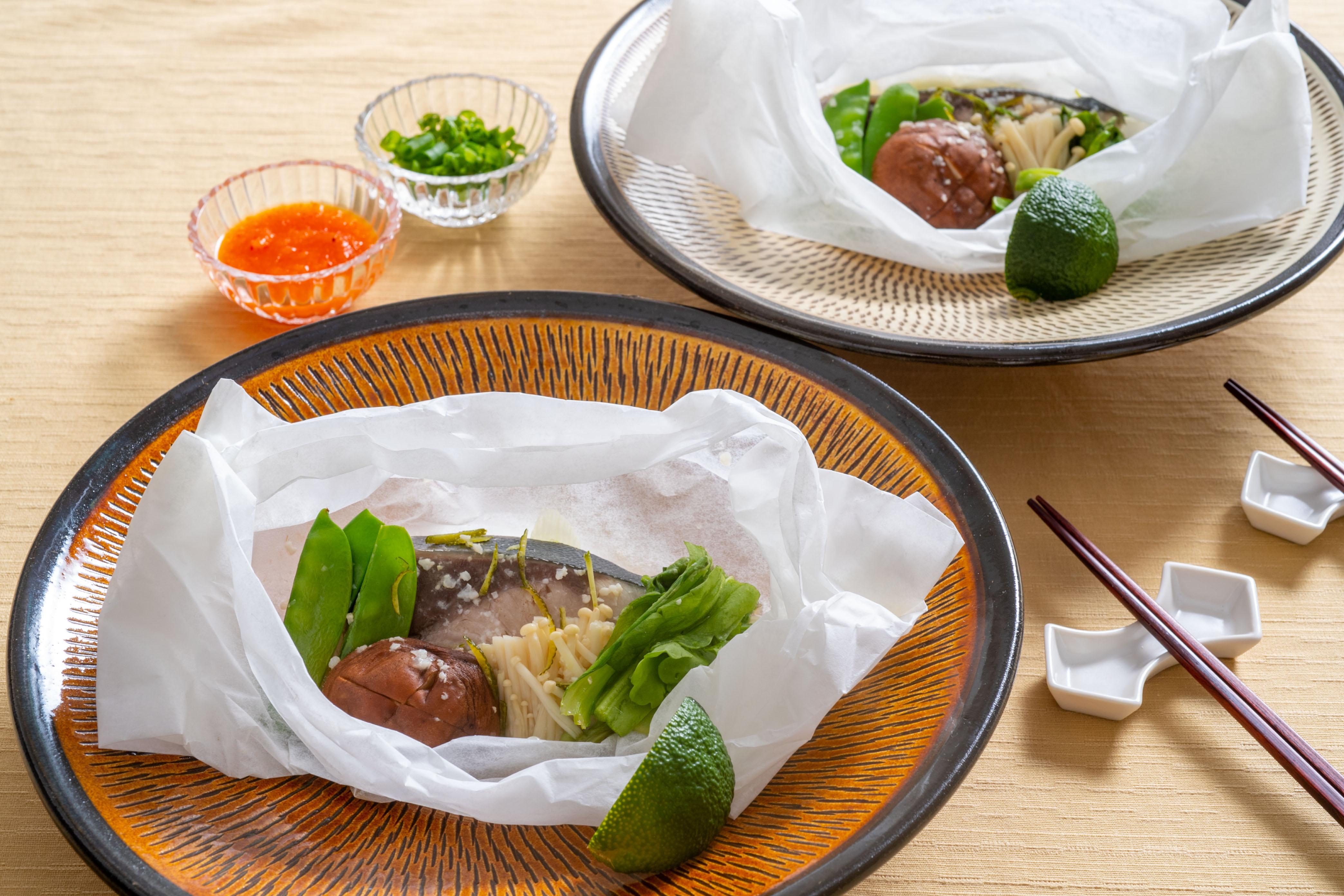 【10月のレシピ】ぶりの柚子風味塩こうじソース蒸し